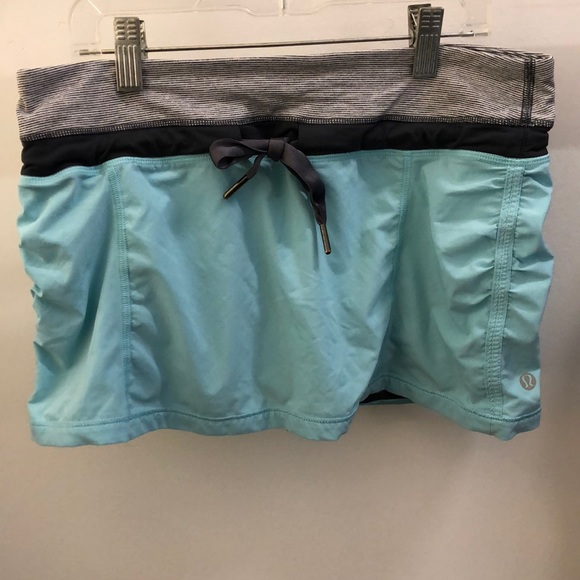 lululemon athletica Dresses & Skirts - Lululemon blue and gray skirt, sz 6, 70427
